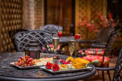The Blue Parrot Courtyard at the Casablanca Hotel Times Square is the place to enjoy the Wine & Cheese Reception or breakfast outside in fine weather.
